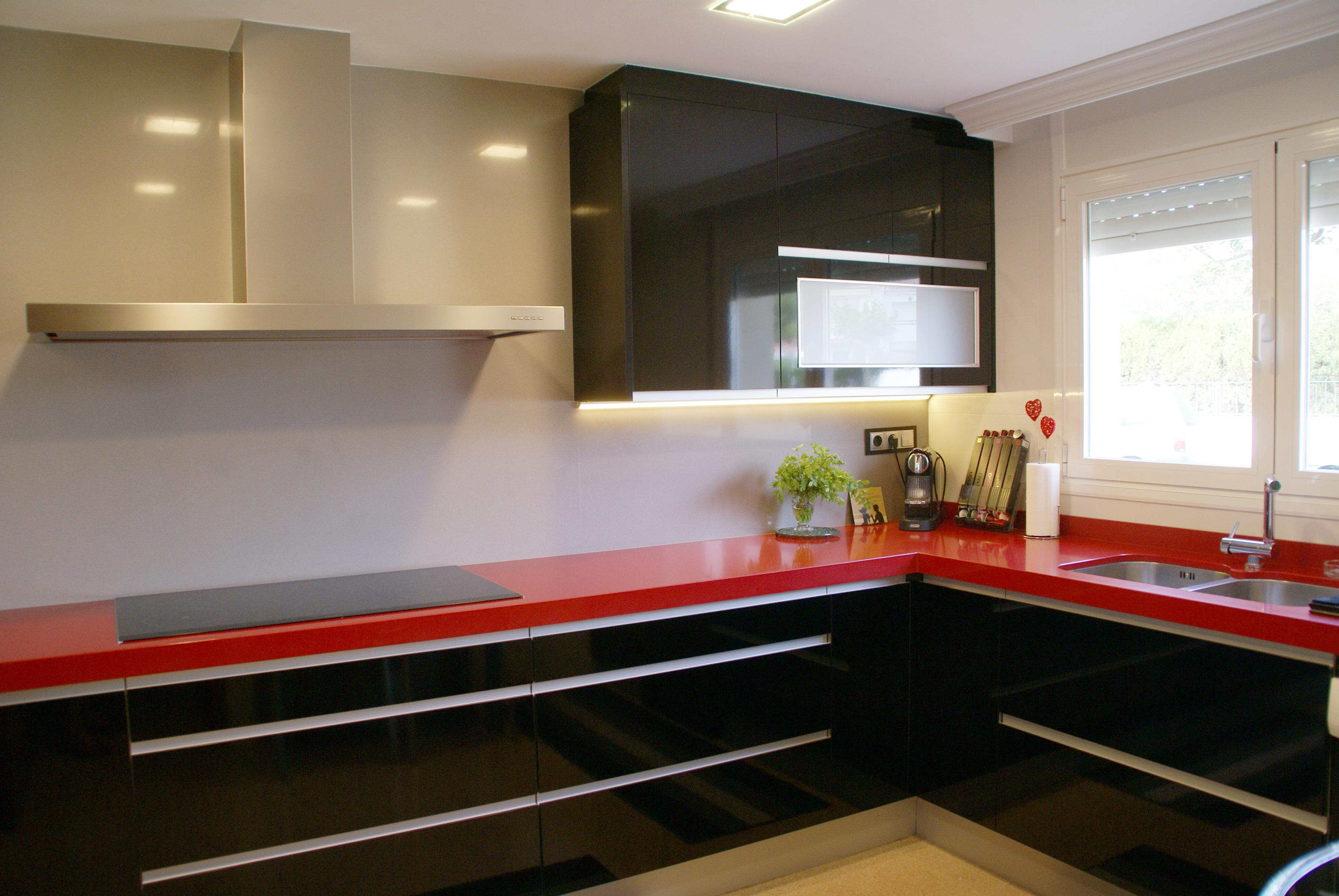 Vuelven las encimeras de granito vi sa espais - Sobre encimera cocina ...