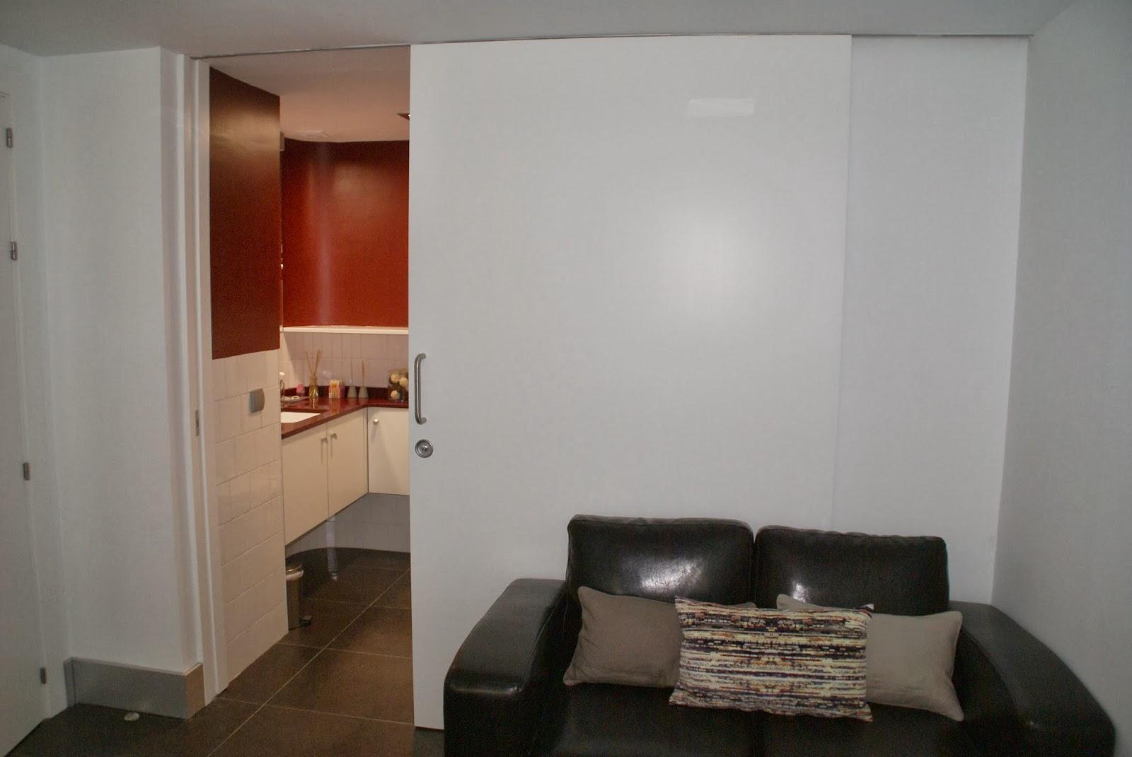 Como ganar espacio en tu casa sin cambiar de vivienda vi - Guias de puertas correderas ...
